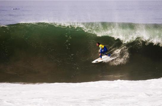 Jordy Smith botando para dentro
